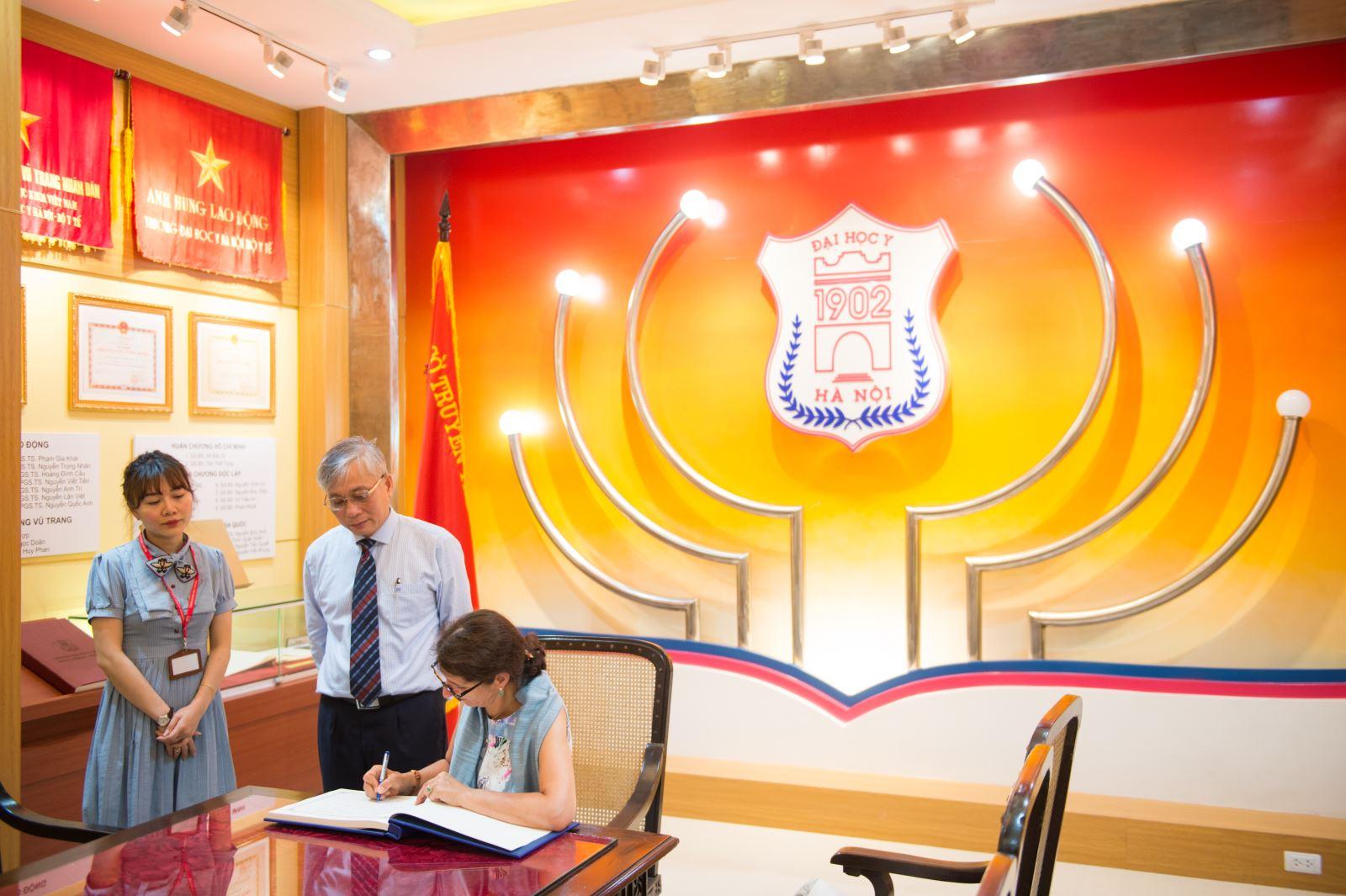 Cuộc họp 3 bên giữa Bộ Kinh Tế và Năng Lượng CHLB Đức - Trường Đại Học Y Hà Nội và Công ty Hà Nội IEC.